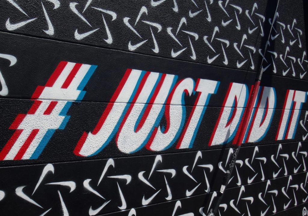 Hur man designar en bra logotyp med eller utan tagline